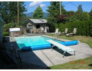 "Photo 10: 1226 DOGWOOD in North Vancouver: Norgate House for sale in ""NORGATE"" : MLS®# V781978"