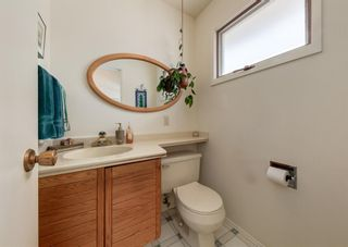Photo 15: 75 Bay View Drive SW in Calgary: Bayview Detached for sale : MLS®# A1087927
