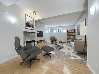 Photo 2: 302 Garrison Square SW in Calgary: Garrison Woods Row/Townhouse for sale : MLS®# C4225939