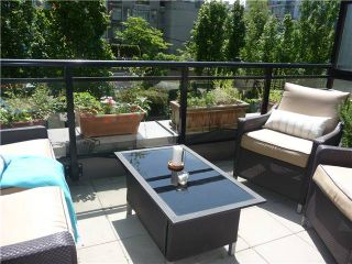 """Photo 8: 1628 W 7TH Avenue in Vancouver: Fairview VW Townhouse for sale in """"Virtu"""" (Vancouver West)  : MLS®# V1067776"""