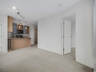 """Photo 15: 2205 977 MAINLAND Street in Vancouver: Yaletown Condo for sale in """"Yaletown Park 3"""" (Vancouver West)  : MLS®# R2480309"""