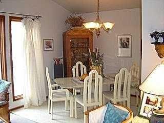 Photo 3: 273 MARJORIE Street in WINNIPEG: St James Residential for sale (West Winnipeg)  : MLS®# 2516852