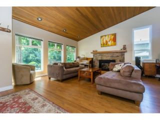 """Photo 5: 12597 20TH Avenue in Surrey: Crescent Bch Ocean Pk. House for sale in """"Ocean Park"""" (South Surrey White Rock)  : MLS®# F1442862"""