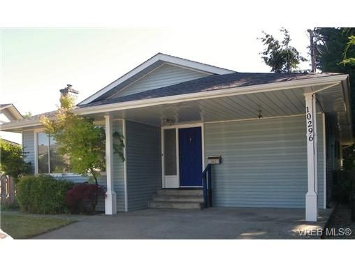 Main Photo: 10296 Gabriola Pl in SIDNEY: Si Sidney North-East House for sale (Sidney)  : MLS®# 691698