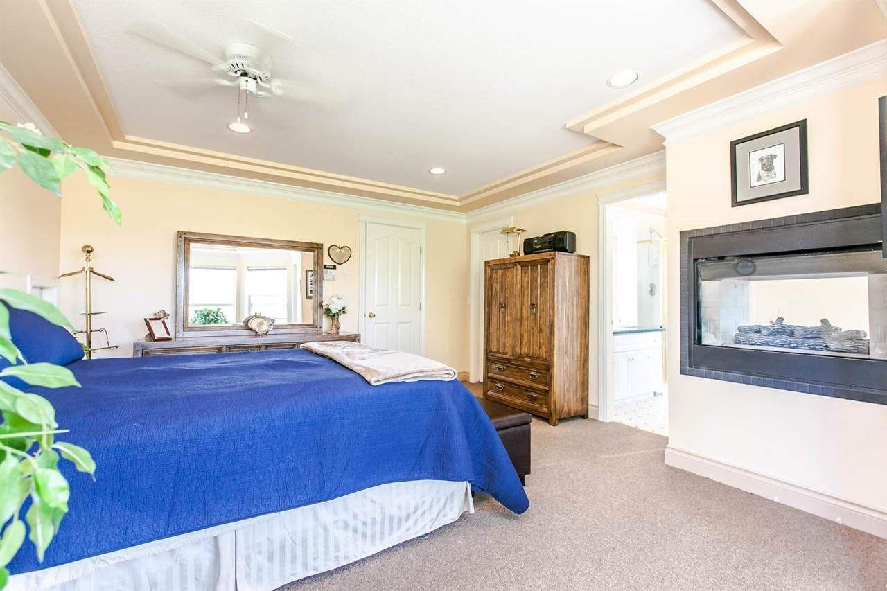Photo 11: Photos: 21709 44 Avenue in Langley: Murrayville House for sale : MLS®# R2108375