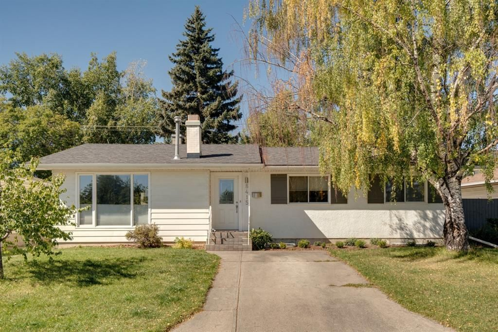 Main Photo: 8415 7 Street SW in Calgary: Haysboro Detached for sale : MLS®# A1143809