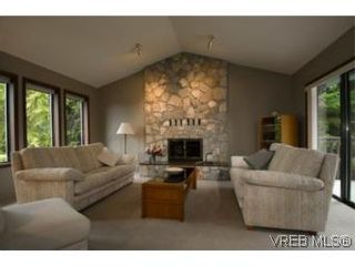 Photo 6: LUXURY REAL ESTATE FOR SALE IN DEAN PARK NORTH SAANICH, B.C. CANADA SOLD With Ann Watley
