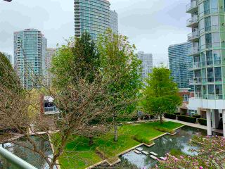 """Photo 9: 603 1099 MARINASIDE Crescent in Vancouver: Yaletown Condo for sale in """"Marinaside Resort"""" (Vancouver West)  : MLS®# R2580994"""