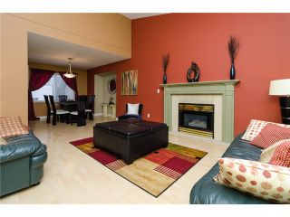 """Photo 3: 21464 83B Avenue in Langley: Walnut Grove House for sale in """"Forest Hills"""" : MLS®# F1428556"""