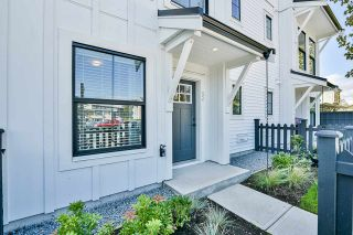 """Photo 18: 52 5945 176A Street in Surrey: Cloverdale BC Townhouse for sale in """"Crimson"""" (Cloverdale)  : MLS®# R2416464"""