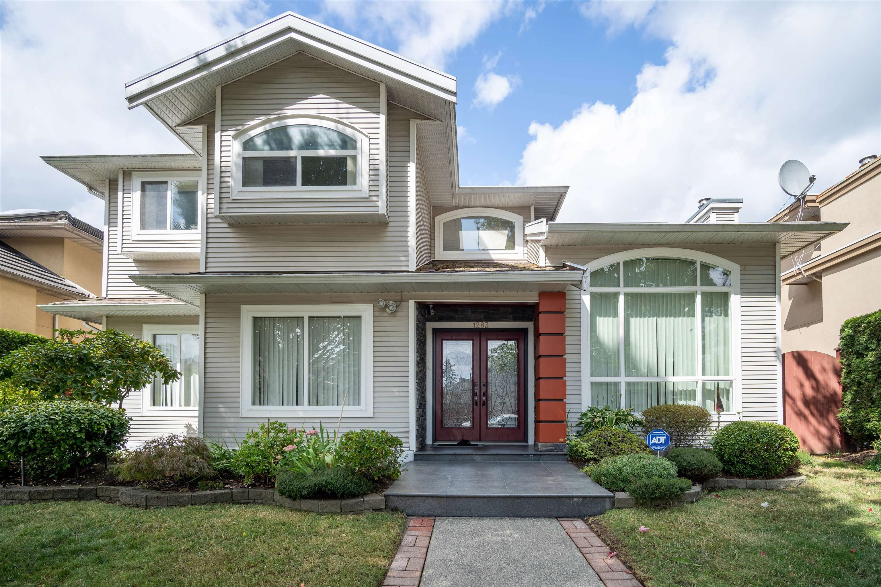 Main Photo: 1283 DAN LEE Avenue in New Westminster: Queensborough House for sale : MLS®# R2622620