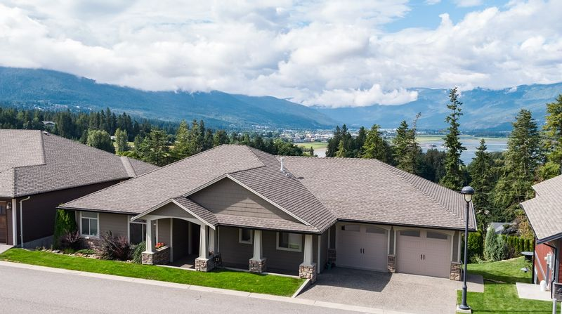 FEATURED LISTING: 21 - 2990 20 Street Northeast Salmon Arm