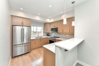 Photo 4: 2205 Echo Valley Rise in : La Bear Mountain Row/Townhouse for sale (Langford)  : MLS®# 867125