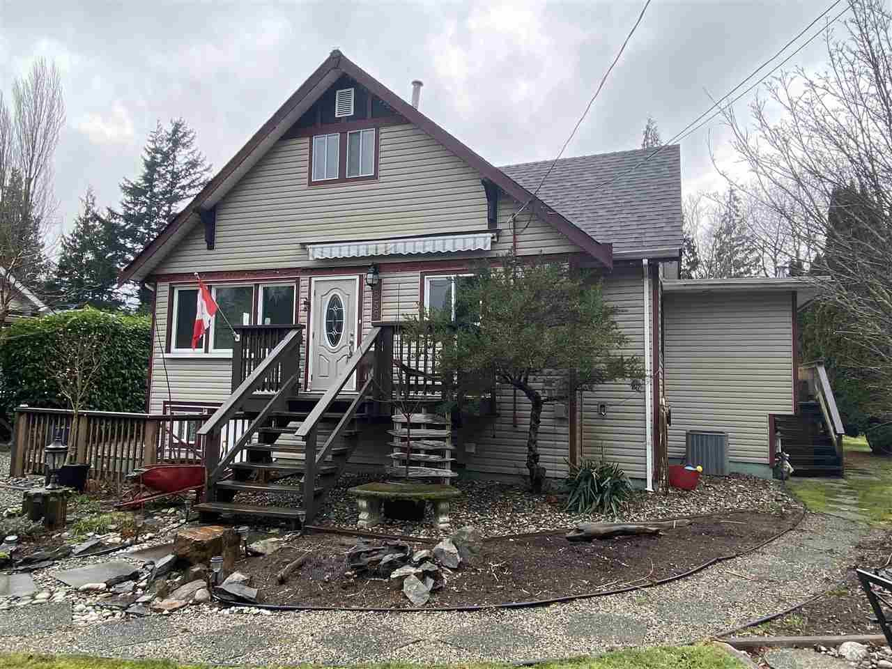 Main Photo: 555 ECHO Avenue: Harrison Hot Springs House for sale : MLS®# R2539179