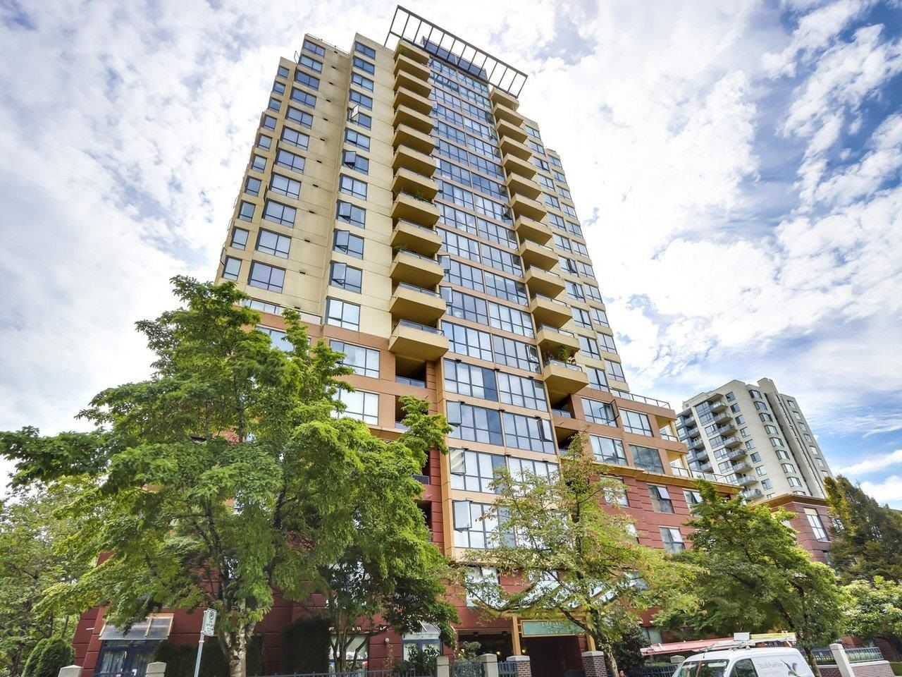 """Main Photo: 309 5288 MELBOURNE Street in Vancouver: Collingwood VE Condo for sale in """"EMERALD PARK PLACE"""" (Vancouver East)  : MLS®# R2616296"""