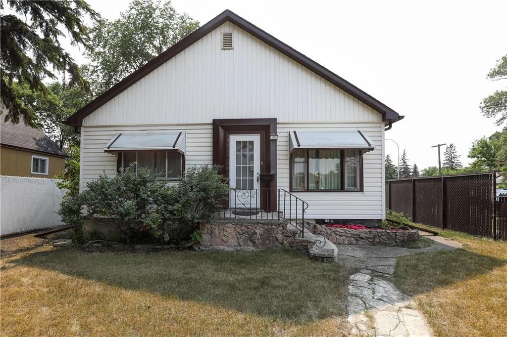 Main Photo: 66 Fulham Avenue in Winnipeg: River Heights North Residential for sale (1C)  : MLS®# 202119748