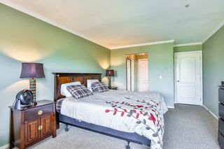 Photo 13: 404 20453 53 Avenue in Langley: Langley City Condo for sale : MLS®# R2186113