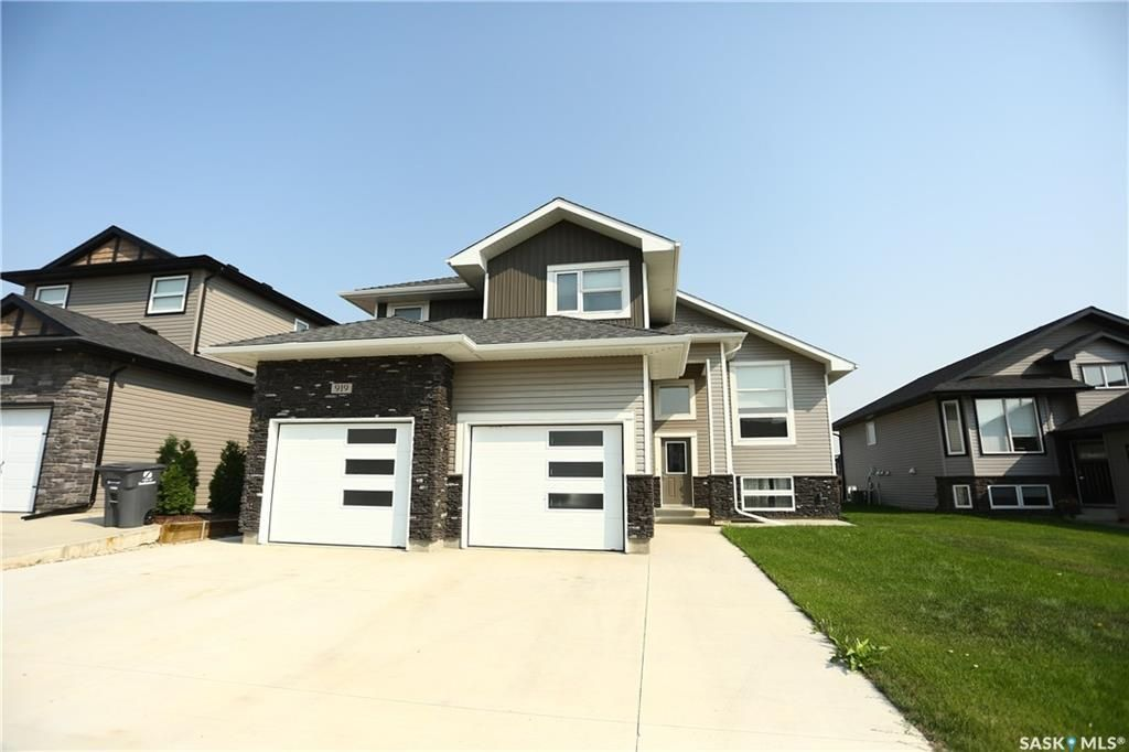 Main Photo: 919 Hargreaves Manor in Saskatoon: Hampton Village Residential for sale : MLS®# SK744358