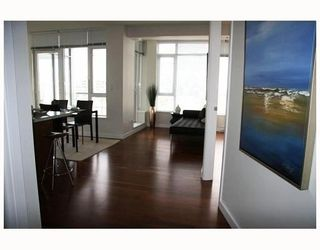 """Photo 3: 802 2055 YUKON Street in Vancouver: Mount Pleasant VW Condo for sale in """"MONTREUX"""" (Vancouver West)  : MLS®# V731923"""