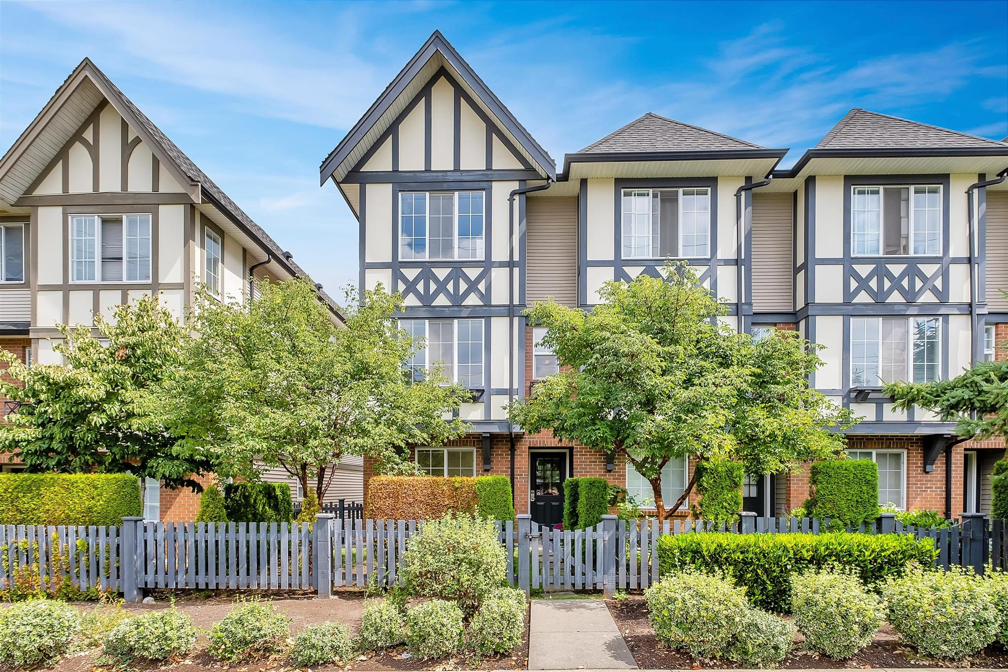 """Main Photo: 80 20875 80 Avenue in Langley: Willoughby Heights Townhouse for sale in """"PEPPERWOOD"""" : MLS®# R2608631"""