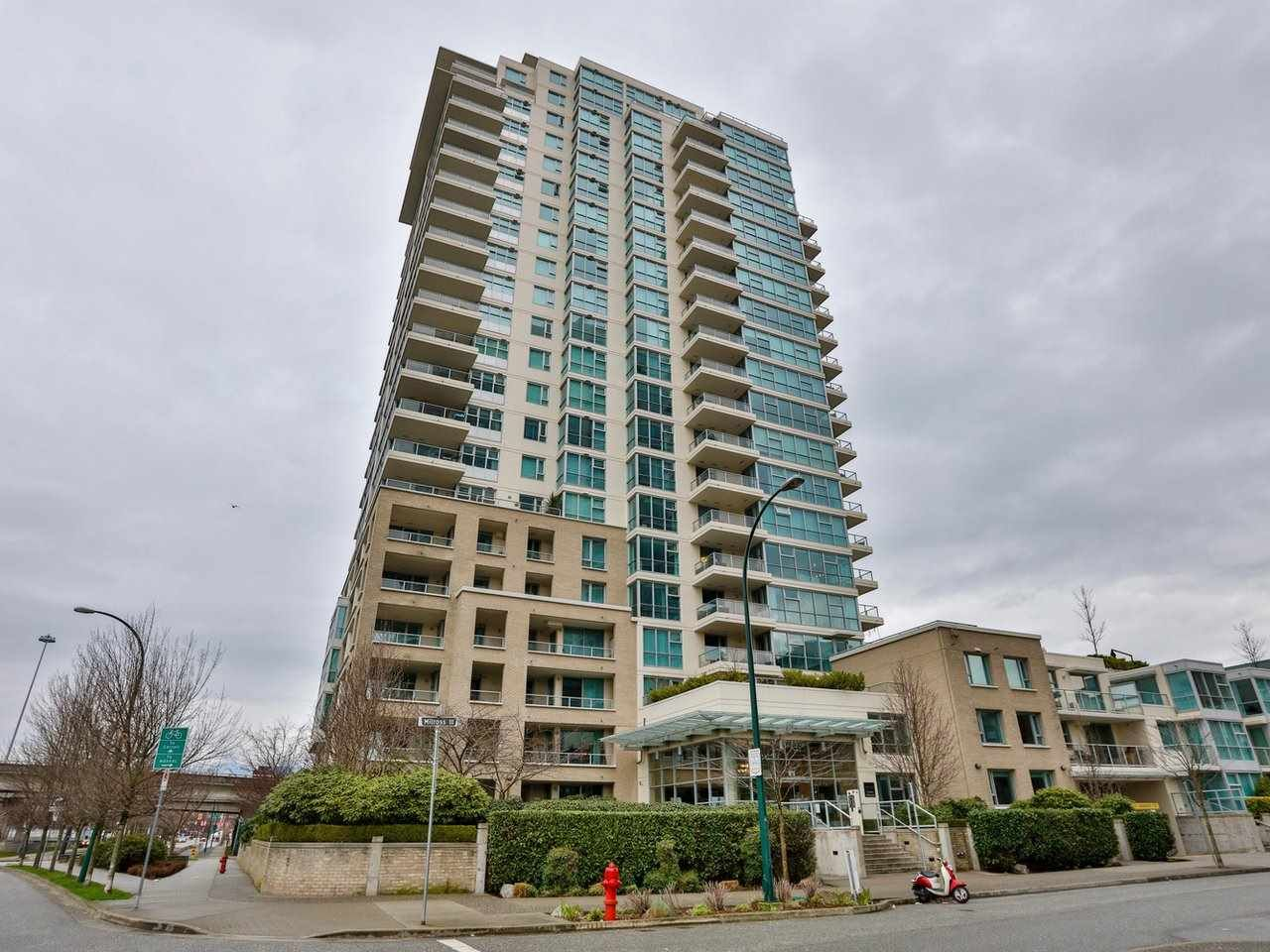 Main Photo: 604 125 MILROSS AVENUE in Vancouver: Downtown VE Condo for sale (Vancouver East)  : MLS®# R2436214