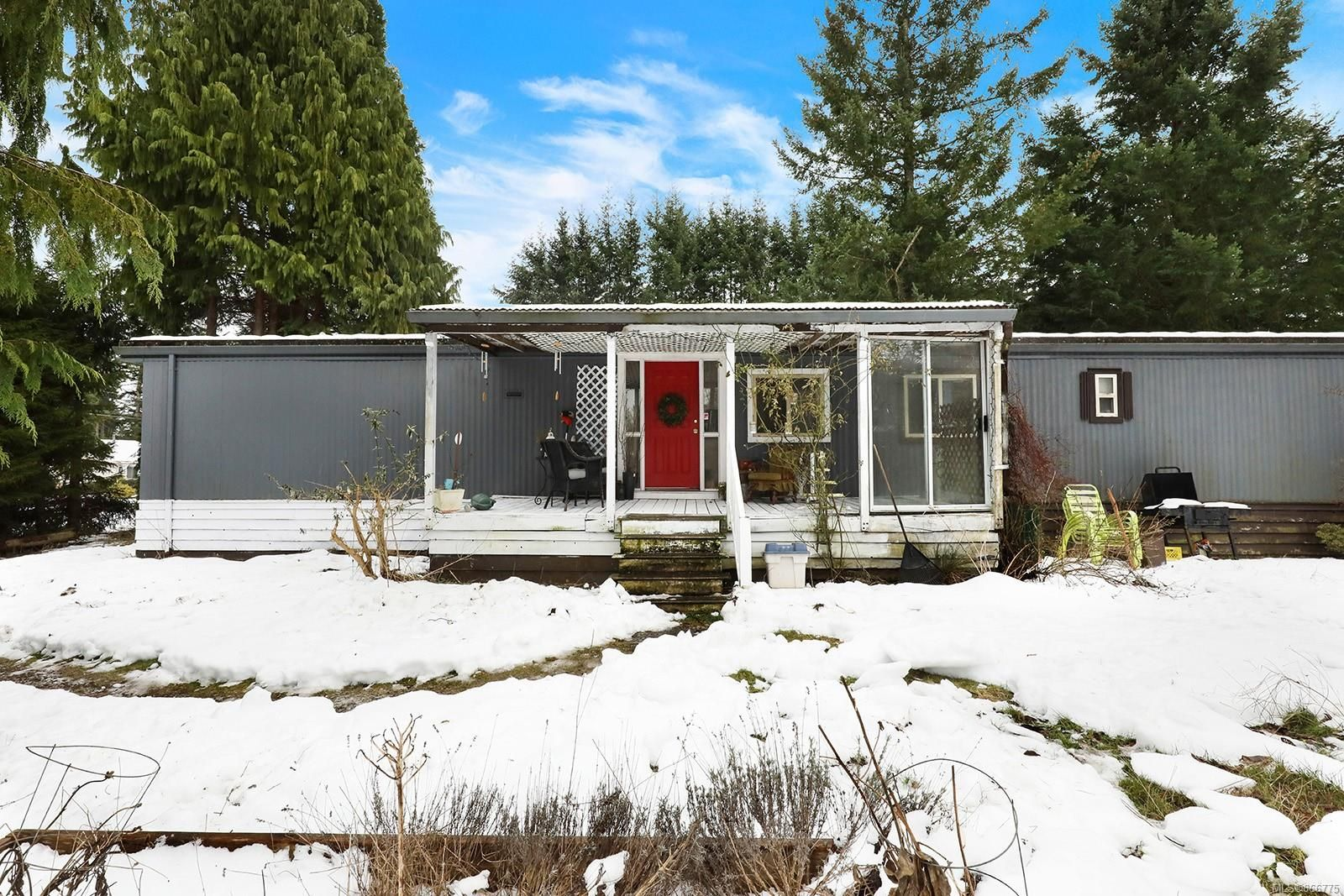 Main Photo: 5933 Mosley Rd in : CV Courtenay North House for sale (Comox Valley)  : MLS®# 866775