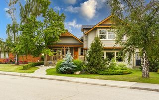 Main Photo: 2715 1 Avenue NW in Calgary: West Hillhurst Detached for sale : MLS®# A1120492