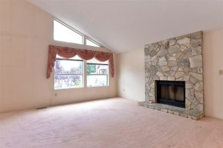 """Photo 3: 8051 138A Street in Surrey: East Newton House for sale in """"EAST NEWTON"""" : MLS®# R2190169"""