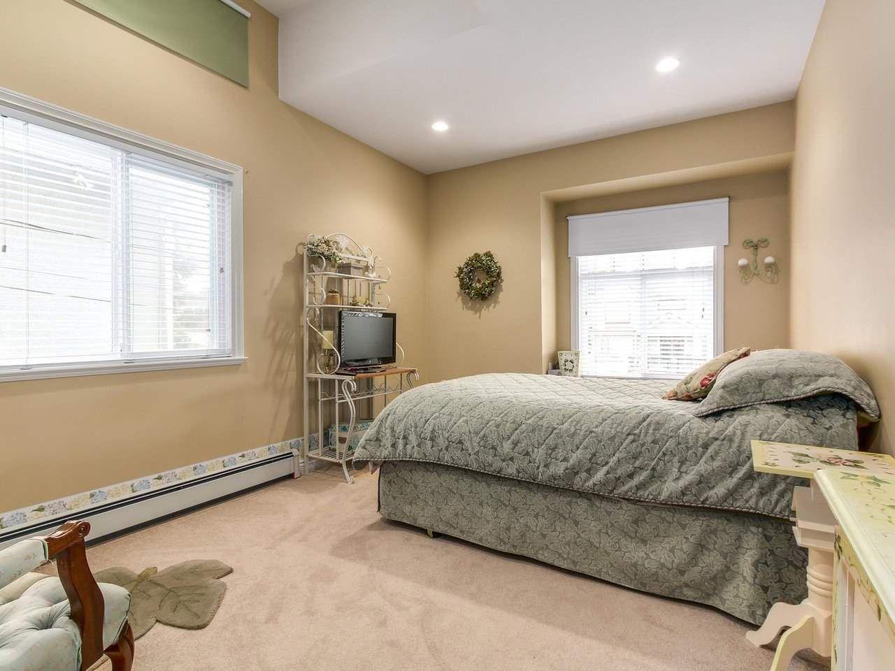Photo 16: Photos: 725 REGAN Avenue in Coquitlam: Coquitlam West House for sale : MLS®# R2226266