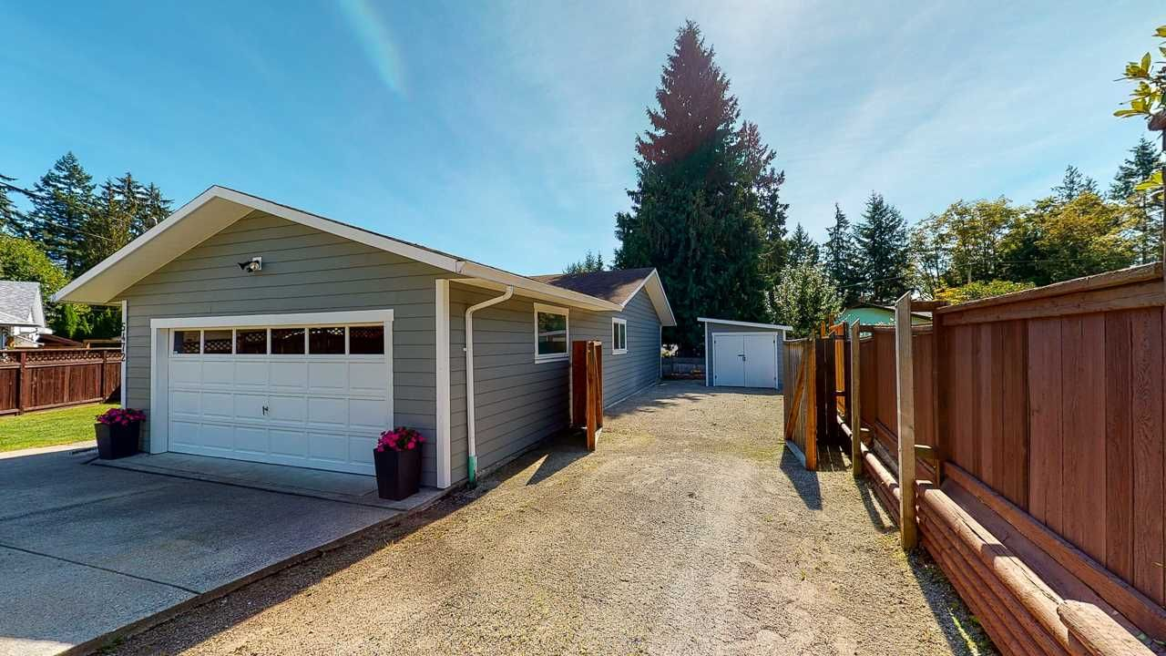 Photo 38: Photos: 5472 CARNABY Place in Sechelt: Sechelt District House for sale (Sunshine Coast)  : MLS®# R2495555