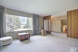 Photo 2: 5631 Ladbrooke Place SW in Calgary: Lakeview Detached for sale : MLS®# A1109810