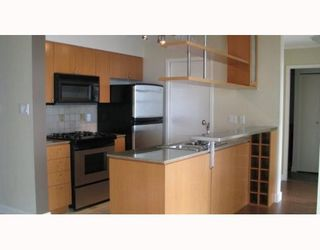 """Photo 4: 2101 1438 RICHARDS Street in Vancouver: False Creek North Condo for sale in """"AZUR 1"""" (Vancouver West)  : MLS®# V808146"""