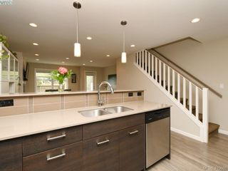 Photo 10: 6 3356 Whittier Ave in VICTORIA: SW Rudd Park Row/Townhouse for sale (Saanich West)  : MLS®# 824505