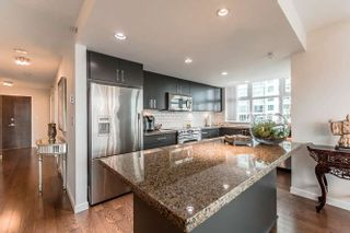 """Photo 6: 905 125 MILROSS Avenue in Vancouver: Mount Pleasant VE Condo for sale in """"CREEKSIDE"""" (Vancouver East)  : MLS®# R2218297"""