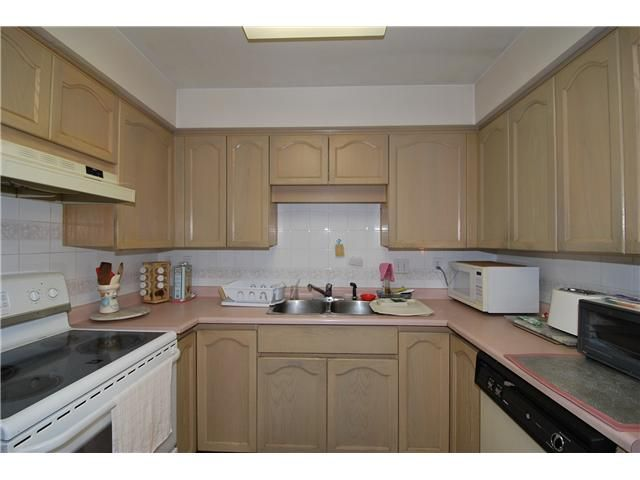 Photo 11: Photos: # 311 8300 BENNETT RD in Richmond: Brighouse South Condo for sale : MLS®# V1033281