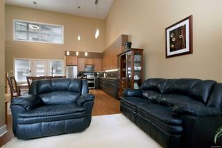 Photo 3: 103 2745 Veterans Memorial Pkwy in : La Mill Hill Row/Townhouse for sale (Langford)  : MLS®# 866685