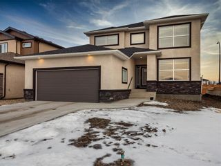 Photo 1: 27 Creemans Crescent in Winnipeg: Charleswood Residential for sale (1H)  : MLS®# 202102206