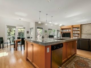 Photo 7: 2222 W 34TH AV in Vancouver: Quilchena House for sale (Vancouver West)  : MLS®# V1125943