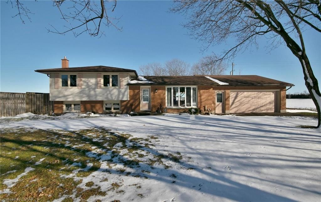 Main Photo: 34086 SAINTSBURY Line in Lucan: Property for sale