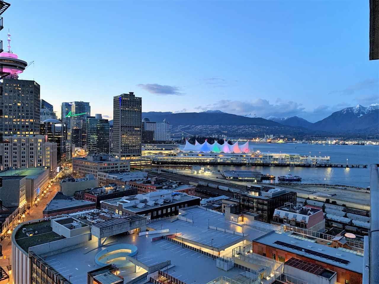 "Main Photo: 2008 108 W CORDOVA Street in Vancouver: Downtown VW Condo for sale in ""WOODWARDS"" (Vancouver West)  : MLS®# R2537299"