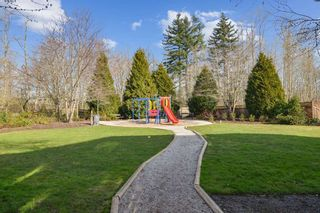 """Photo 21: 15 18983 72A Avenue in Surrey: Clayton Townhouse for sale in """"The Kew"""" (Cloverdale)  : MLS®# R2542771"""