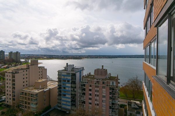"""Photo 12: Photos: 1601 2055 PENDRELL Street in Vancouver: West End VW Condo for sale in """"Panorama Place"""" (Vancouver West)  : MLS®# R2046981"""