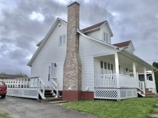 Photo 2: 9 Collins Drive in North Sydney: 205-North Sydney Residential for sale (Cape Breton)  : MLS®# 202108514
