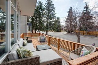 Photo 3: 1008 78 Avenue SW in Calgary: Chinook Park Detached for sale : MLS®# A1094212