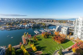 Photo 1: 3003 455 BEACH CRESCENT in Vancouver: Yaletown Condo for sale (Vancouver West)  : MLS®# R2514641