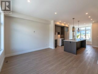 Photo 8: 385 TOWNLEY STREET in Penticton: House for sale : MLS®# 183471