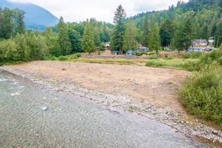 """Photo 4: 50598 O'BYRNE Road in Chilliwack: Chilliwack River Valley House for sale in """"Slesse Park/Chilliwack River Valley"""" (Sardis)  : MLS®# R2609056"""