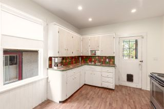 """Photo 11: 1937 GRAVELEY Street in Vancouver: Grandview Woodland House for sale in """"Commercial Drive"""" (Vancouver East)  : MLS®# R2404224"""