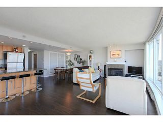 """Photo 5: 2206 120 MILROSS Avenue in Vancouver: Mount Pleasant VE Condo for sale in """"THE BRIGHTON"""" (Vancouver East)  : MLS®# V1108623"""