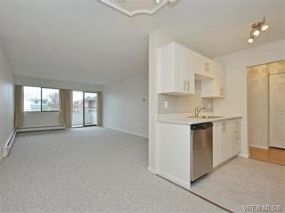 Photo 3: 212 2100 Granite St in VICTORIA: OB South Oak Bay Condo for sale (Oak Bay)  : MLS®# 752114